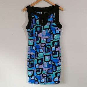 Fun and funky shift dress with keyhole neckline